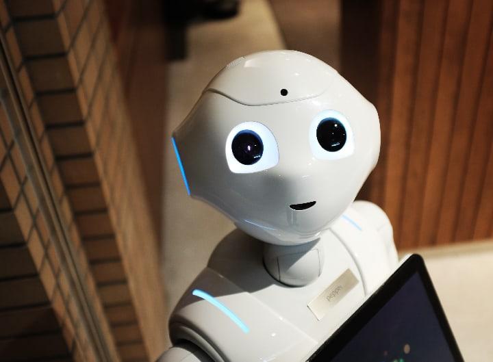Carrefour AI robot